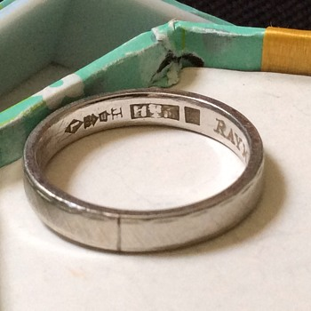Old band ring - Fine Jewelry
