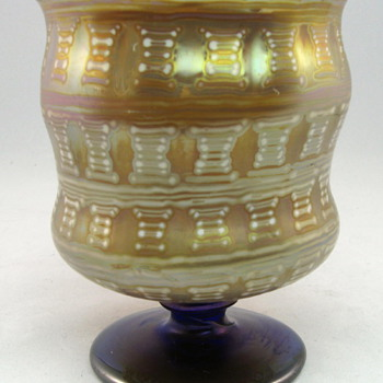 Otto Prutscher designed Loetz footed vase from 1929 - Art Glass