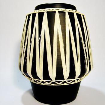 "GMUNDNER KERAMIK-AUSTRIA/""BLACK"" - Pottery"