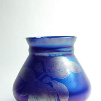 german  art deco iridescent vase by  Schliersee