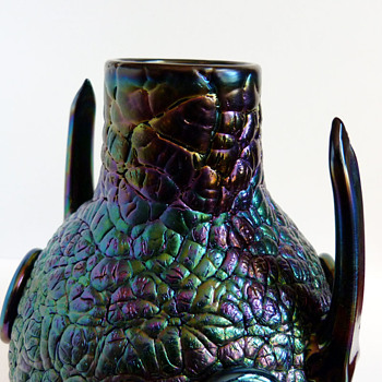 Detail pictures sof Thomas Webb & sons bronze vase (1878). Christopher Dresser, attr.  - Art Glass