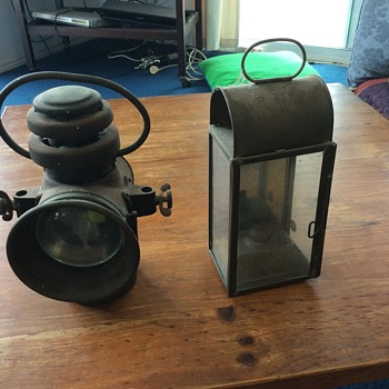 2 Lanterns or lamps - Lamps