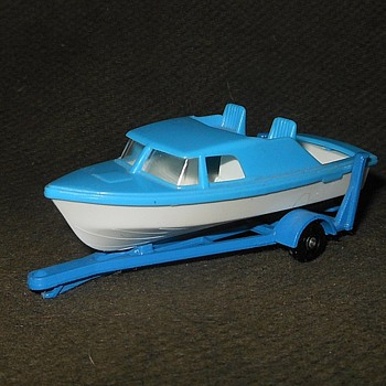 Mondo Motorboat Matchbox Monday MB-9 Boat and Trailer 1968-1969 - Model Cars