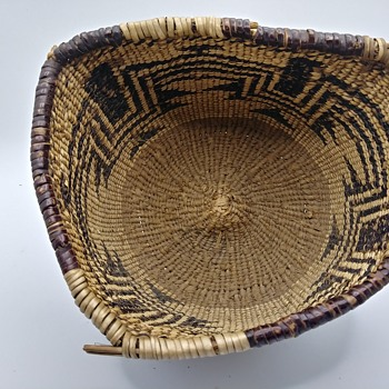 Need help identifying these Native American baskets #2 - Native American