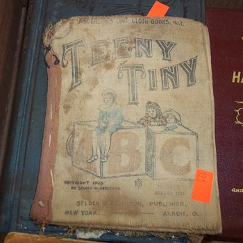 """CLOTH AND VINTAGE CHILD""""S BOOKS"""