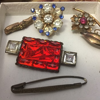 Old brooches - Costume Jewelry