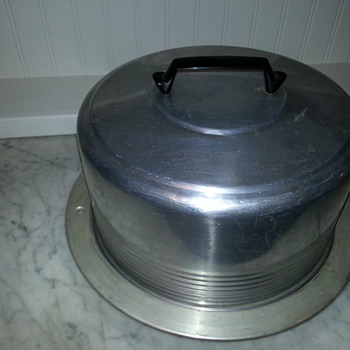 Vintage Regal Aluminum Cake Dome With Locking Carrier - Kitchen