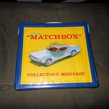 Moving Multiple Matchbox Monday Collector's Mini-Case 1966-1967 - Model Cars