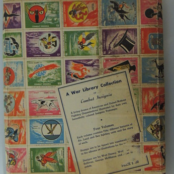 COMBAT INSIGNA STAMPS BOX - Military and Wartime