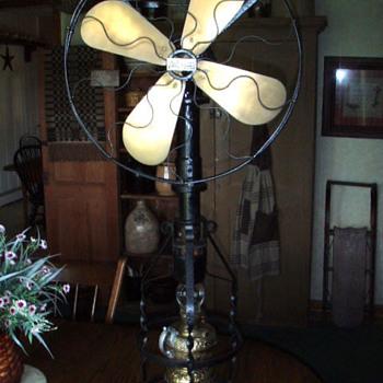 "LAke Breeze model ""B"" hot air fan - Tools and Hardware"