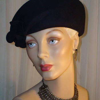 Vintage 50s Midnight Navy Structured Wool Tam by Bollman - Hats