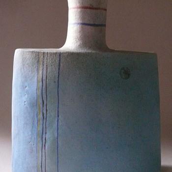 Gli Etruschi.... Ivo de Santis... a vase - Pottery