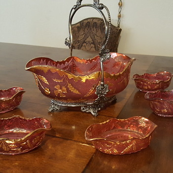 Gold and cranberry color bowl set  - Glassware