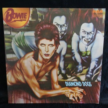 Vintage vinyl records - albums by David Bowie - Records