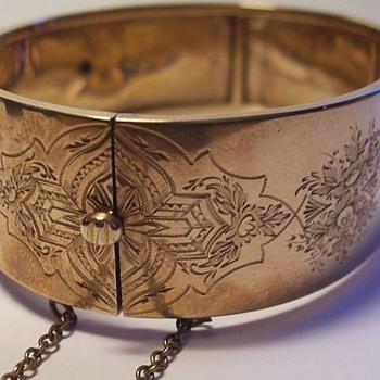 Victorian Bracelet -- * GOLD * - Fine Jewelry