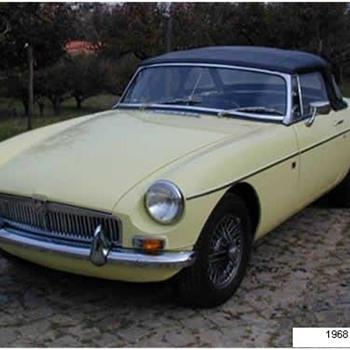 1968 MGB Primrose yellow Roadster - Classic Cars
