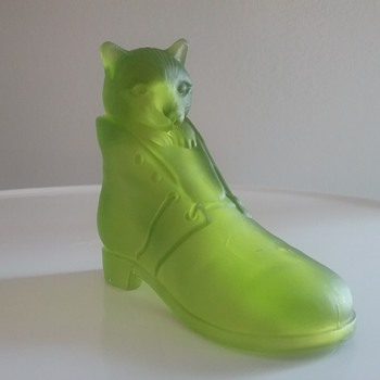 """Westmoreland Glass """"Puss in Boots"""" - Animals"""