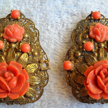 FAUX CORAL SHOE OR DRESS CLIPS - Costume Jewelry