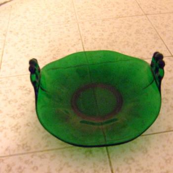 cute green ? - Art Glass