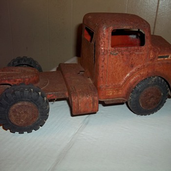 VINTAGE MARX  TRUCK TRACTOR - Model Cars