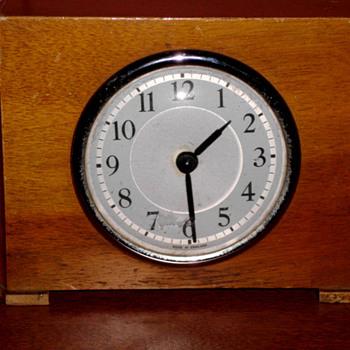 Wooden Art Deco Table Clock