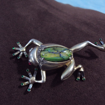 1930's frog jelly belly - Costume Jewelry
