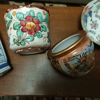 A closer look at some of my craziness. Pots, bowls, cats..oh my. - Pottery