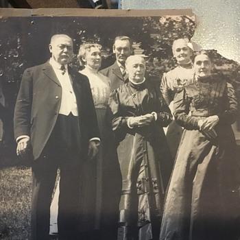 A black Harriest's wedding. - Photographs
