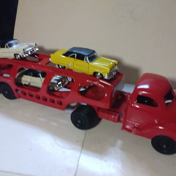 Hubley Auto Transport - Model Cars