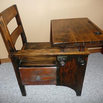 1900s student desk - Furniture
