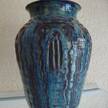 sphinx vase 20s - Pottery