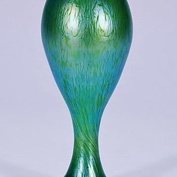Loetz Crete Papillon Vase with Blue Iridescence. - Art Glass