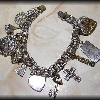 1970's  Sterling Silver Charm Bracelet ( My Moms ) - Fine Jewelry