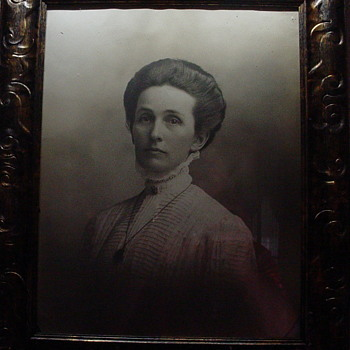 Photo of a well off, possible Victorian woman - Photographs