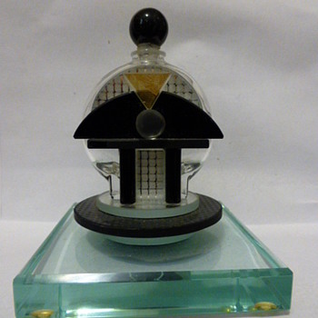 Art Deco perfume bottle - Art Glass
