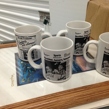 Herald Examiner Dodgers mugs - Baseball