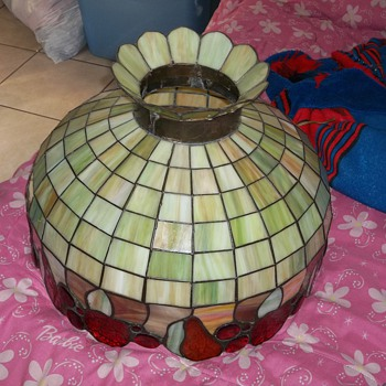 I DONT NOW WHAT STYLE LAMP THIS IN OR ITS VALUE? - Lamps