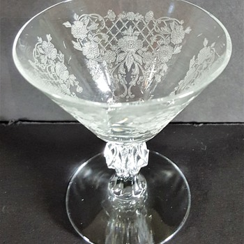 ELEGANT GLASS THAT IS SO RARE THAT SHIFFER BOOKS DOESN'T EVEN BELIEVE IT WAS MADE - MUST SEE - Glassware