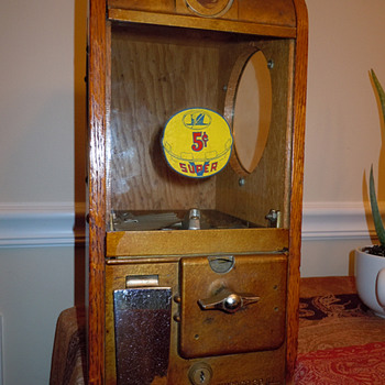 Victor Antique Wooden Gumball Machine - Coin Operated