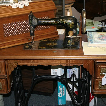 Singer 1893 sewing machine, I think it is a 127??? - Sewing