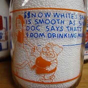 BLUE RIBBON DAIRY..CHICAGO ILLINOIS DISNEY QUART MILK BOTTLE - Bottles