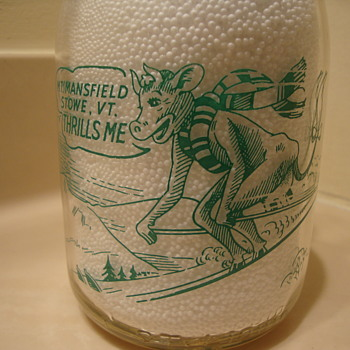 QUART... MT. MANSFIELD...STOWE VERMONT...COMICAL COW SKIING PICTURE - Bottles