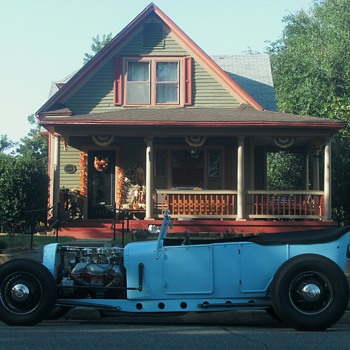 27 Ford Roadster - Classic Cars