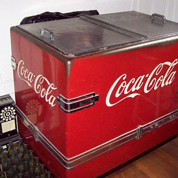 1940s coca cocla chest - Coca-Cola