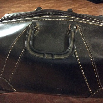 Old hard side valise......not sure what t is - Bags