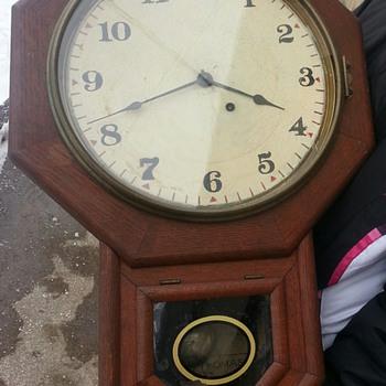 Seth Thomas 19-something Schoolhouse - Clocks