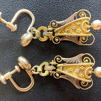 Victorian Etruscan Revival earrings, probably 15k - Fine Jewelry