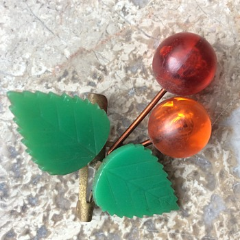 Brass and lucite cherry brooch - Costume Jewelry