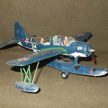 1:48 Sclae Model Vought OS2U Kingfsher Built Up - Toys