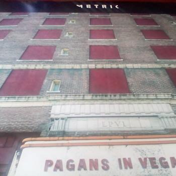 """Metric """" Pagans In Vegas """" - Records"""